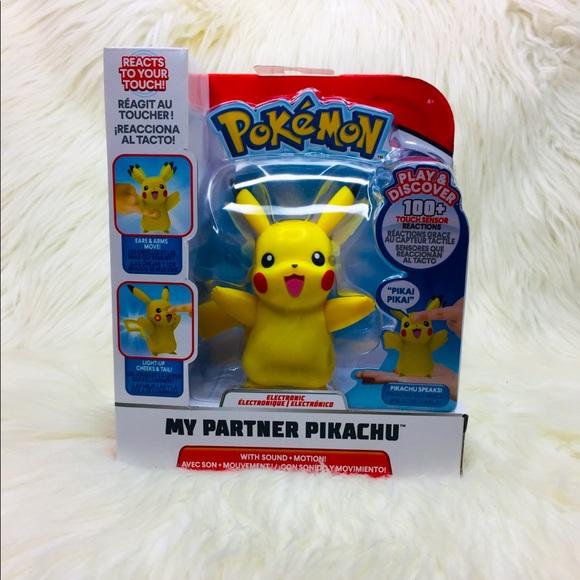 Pokemon My Partner Pikachu Electronic Light Up Toy